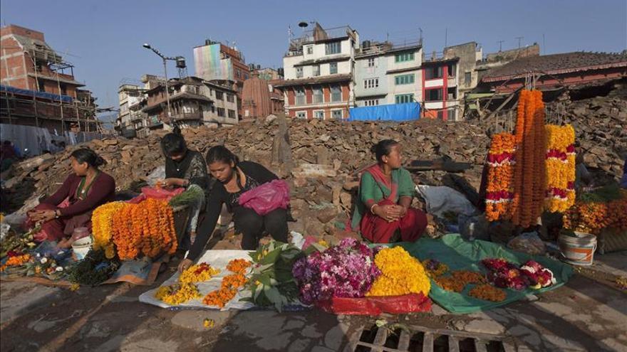 La India y China lideran los compromisos de fondos para reconstruir Nepal