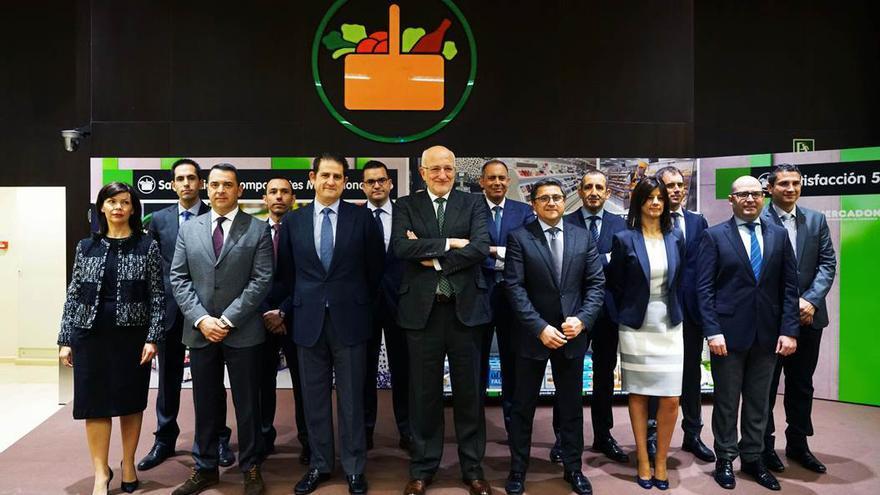 Juan Roig junto al equipo directivo de Mercadona