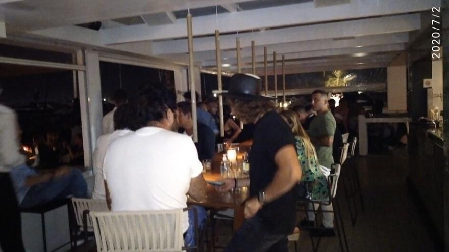 Desalojado en Ibiza un local donde 150 personas celebraban una fiesta sin cumplir las normas sanitarias