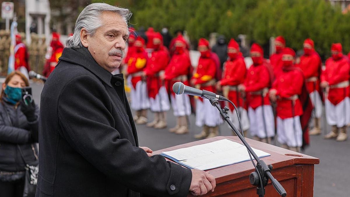 Alberto Fernández participó en Salta del homenaje al general Güemes.