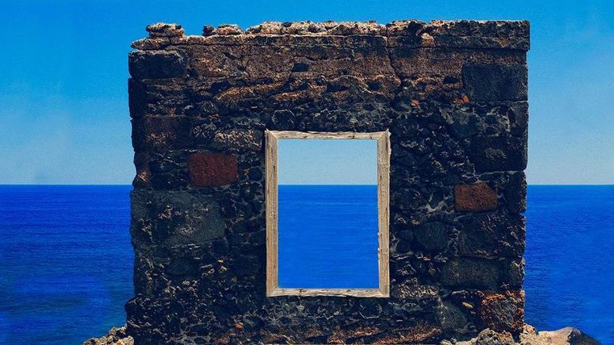 El Teatro Chico acoge la presentación del libro 'Miradas al Atlántico' sobre la evolución de la ventana tradicional canaria