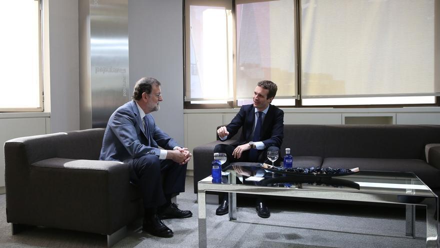 Casado almuerza con Rajoy un día después de confirmarse la repetición de elecciones