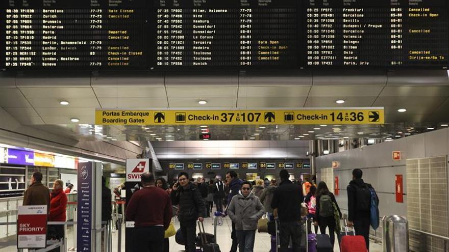 Los controladores aéreos lusos convocan una huelga parcial de 5 días