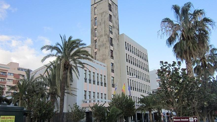 Imagen de archivo del exterior del edificio de la sede principal del Cabildo de La Palma.