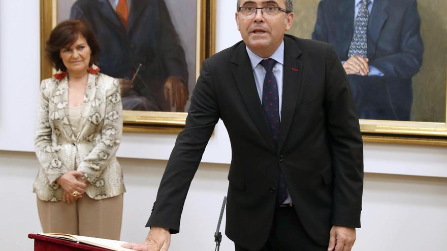 Toma de posesión de José Antonio Montilla como nuevo secretario de Estado de Relaciones con las Cortes en presencia de la vicepresidenta, Carmen Calvo.