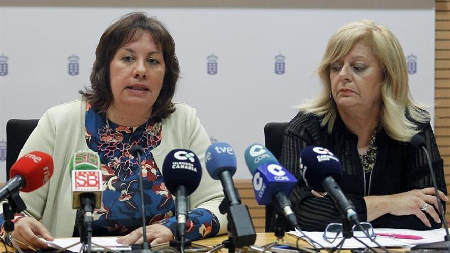 La consejera de Educación del Gobierno de Canarias, Soledad Monzón, y la directora de la Agencia Canaria de Calidad Universitaria, Teresa Acosta