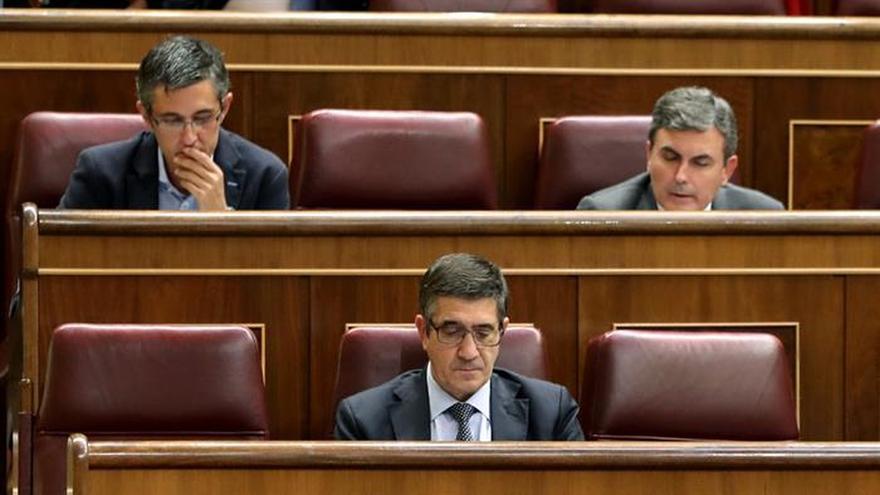 El PSOE pide que las empresas concesionarias asuman el riesgo en los contratos públicos