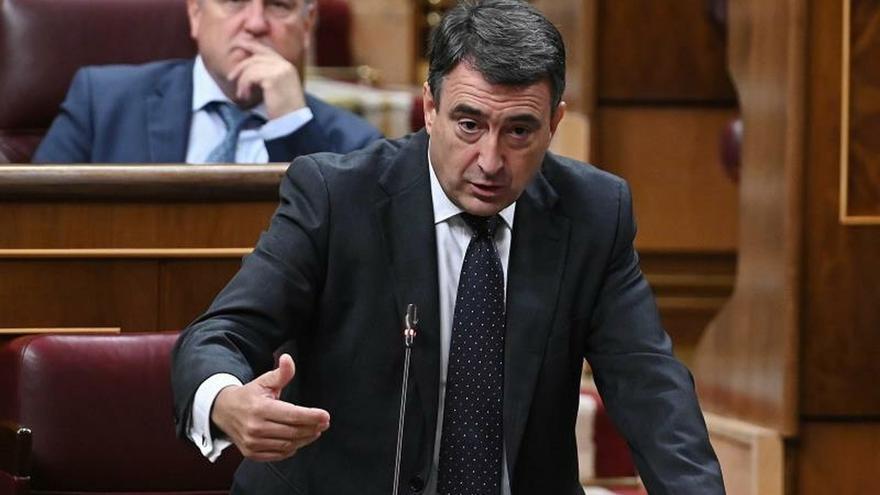 El PNV pide al Gobierno exhumar a Franco antes de las elecciones