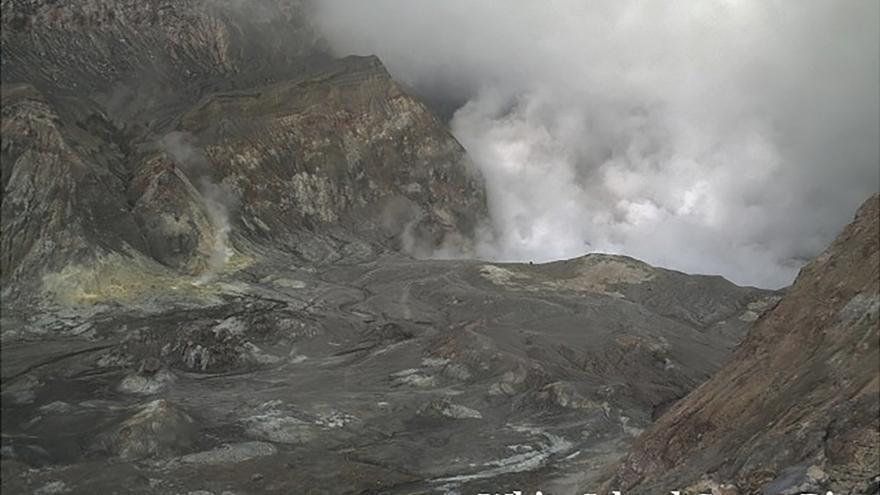 Al menos cinco fallecidos tras la erupción del volcán neozelandés Whakaari