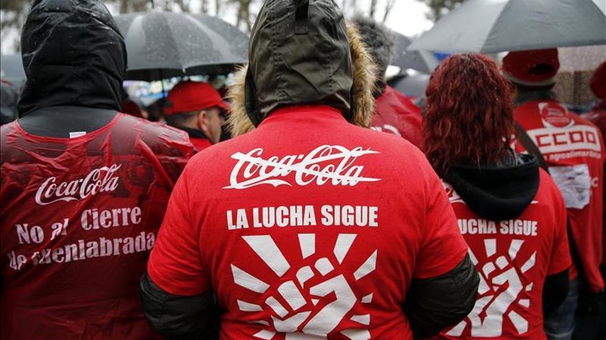 """Empleados de Coca-Cola piden en Madrid """"carga de trabajo"""" para Fuenlabrada"""