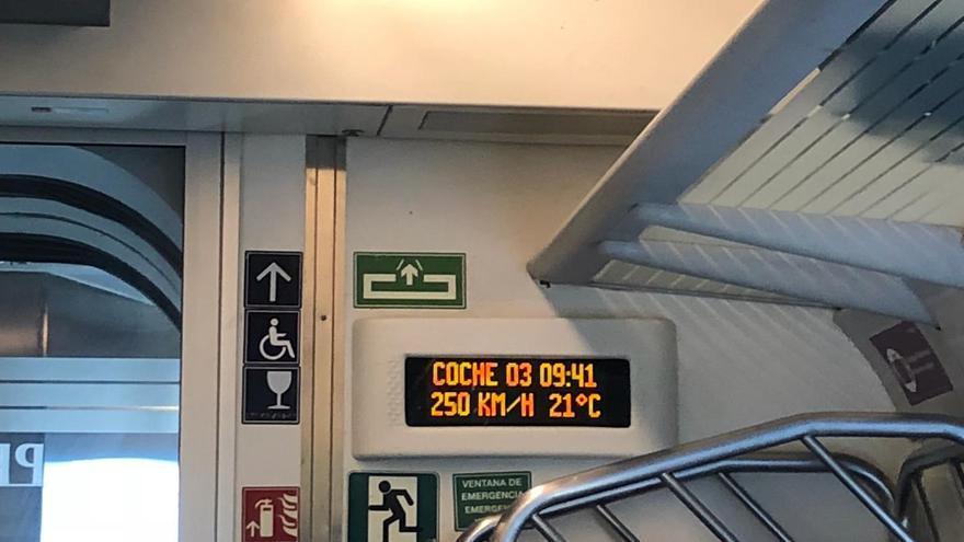 Llega el primer tren híbrido a Murcia a pesar de la oposición del PP