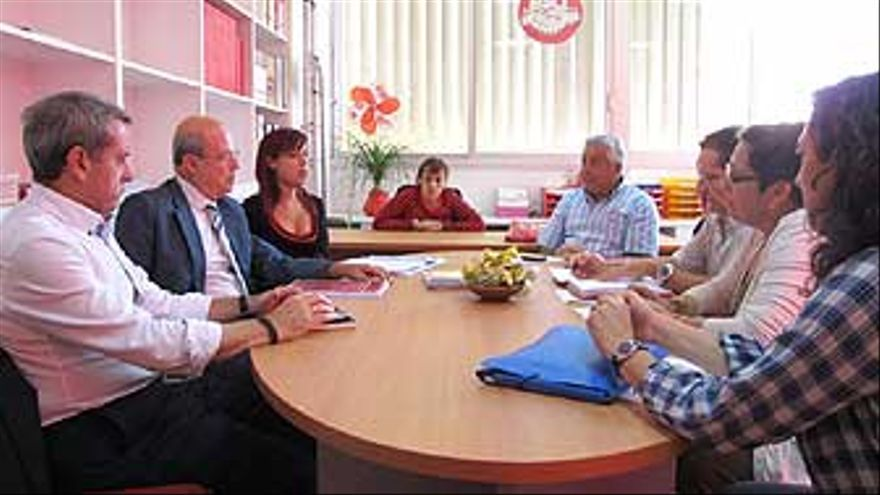 El PSOE promete ''más y mejor'' en educación