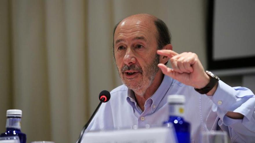 "Rubalcaba desea que Zapatero saque a Venezuela de su ""terrible situación"""