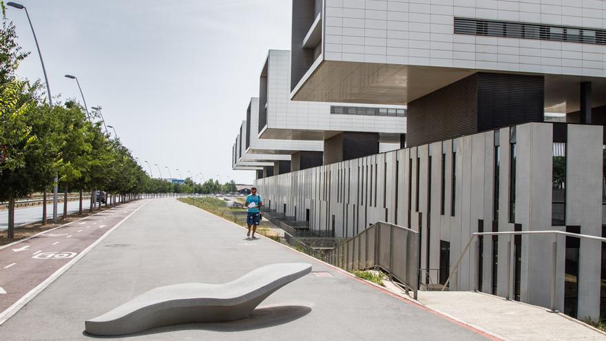 L'Hospital Sant Joan de Reus té fins a sis ales. / ENRIC CATALÀ