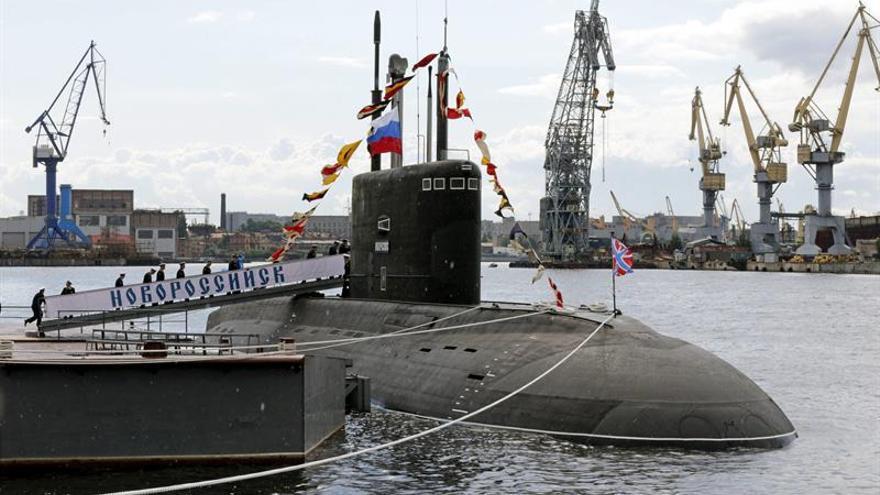 Resultado de imagen de Submarinos rusos vigilan buques de guerra británicos desde 160 km