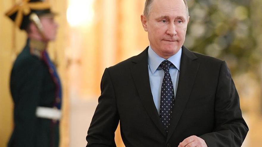 Putin anuncia el acuerdo de cese del fuego en Siria y la reducción de tropas rusas