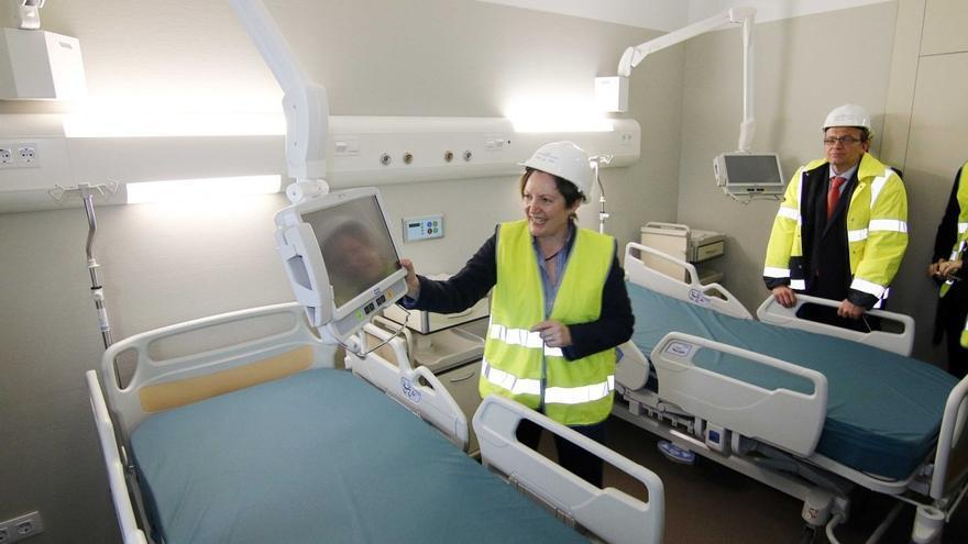 La conselleira de Sanidade, de visita en las obras del hospital de Vigo