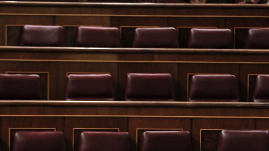 El ministro del Interior afea al PSOE que defienda a los vándalos que causaron daños en Gamonal