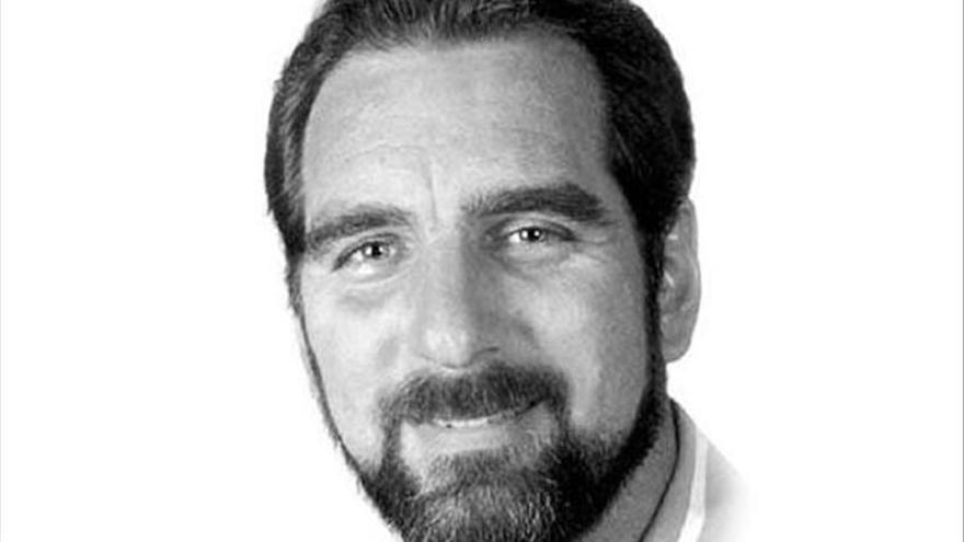 EE.UU. autoriza a un condenado por espionaje a quedarse en Cuba