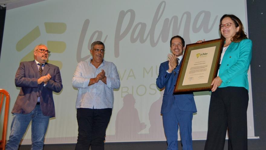 Mary Barreto recibe el título de 'Embajadora de Buena Voluntad'.