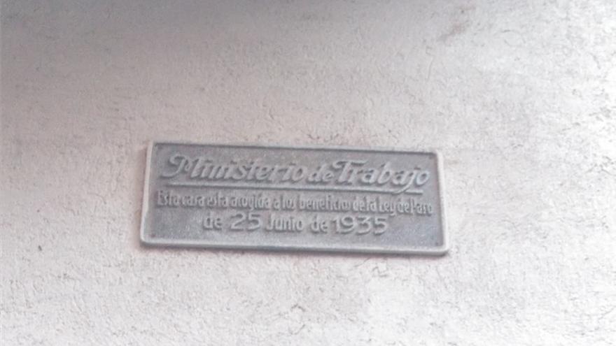 Placa del Ministerio de Trabajo