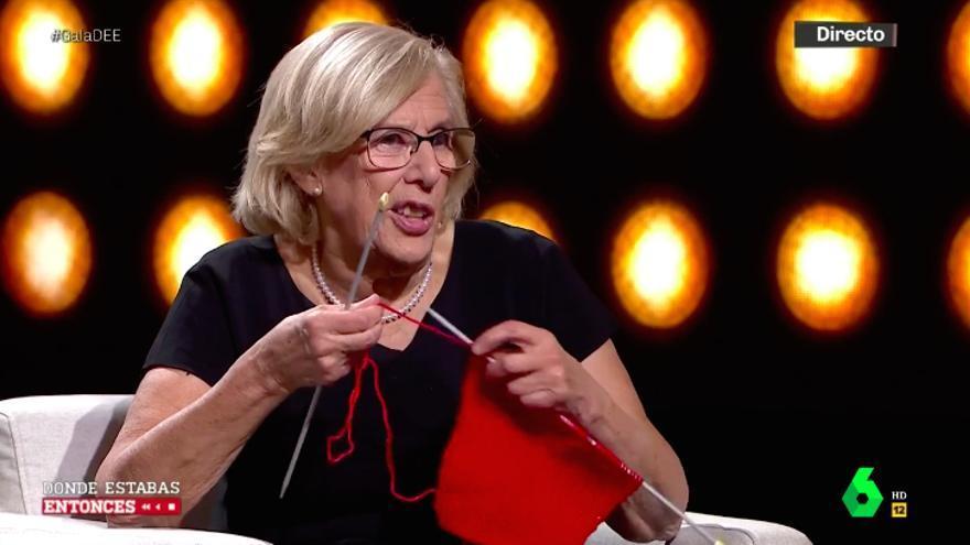 Manuela Carmena hizo punto durante la entrevista y alabó una serie de la competencia