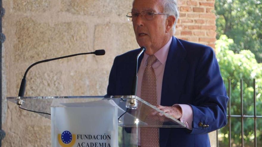 Marcelino Oreja Aguirre, galardonado con el Premio Europeo Carlos V en su XI edición