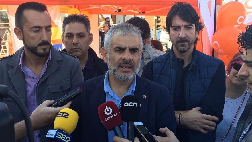 """Carrizosa (Cs) recuerda que Vila estuvo hasta el día antes de la DUI en un Gobierno que """"ha dividido a los catalanes"""""""
