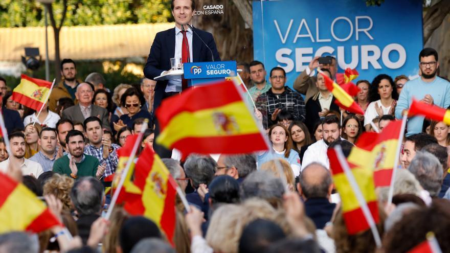 Casado busca una demostración de fuerza en el cierre de campaña reuniendo a más de 7.000 personas en Madrid