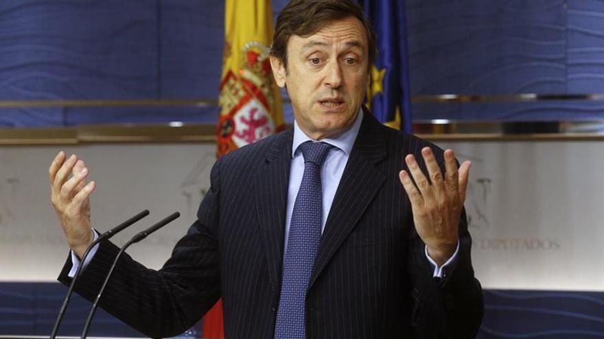 """Hernando dice que Rajoy es un """"gran patriota"""" en las antípodas del """"no es no"""""""