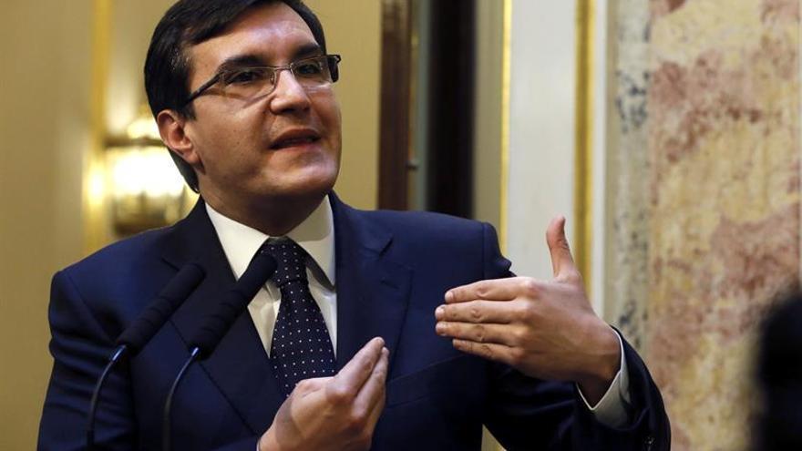 Ayllón resalta la disposición de Rajoy frente a la interpretación de la Constitución