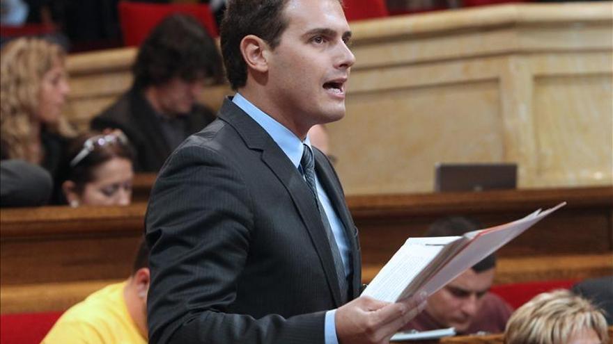 Rivera ve inviable la propuesta de convocar un referendo a través del artículo 150.2