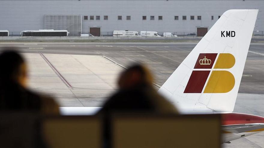 Iberia perdió un 30% de vuelos en octubre, la mayor caída de tráfico en las aerolíneas europeas