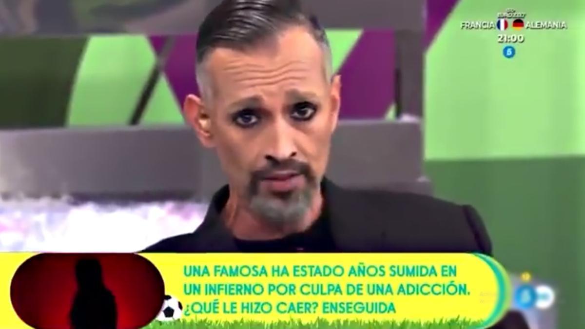 Josep Ferré imita a Miguel Bosé en 'Sálvame'