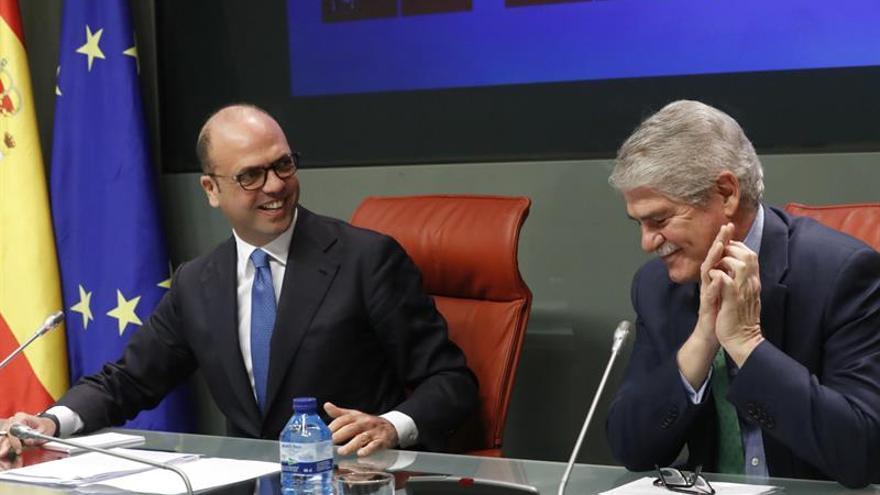 Dastis y Alfano acuerdan celebrar el año próximo una cumbre hispano-italiana
