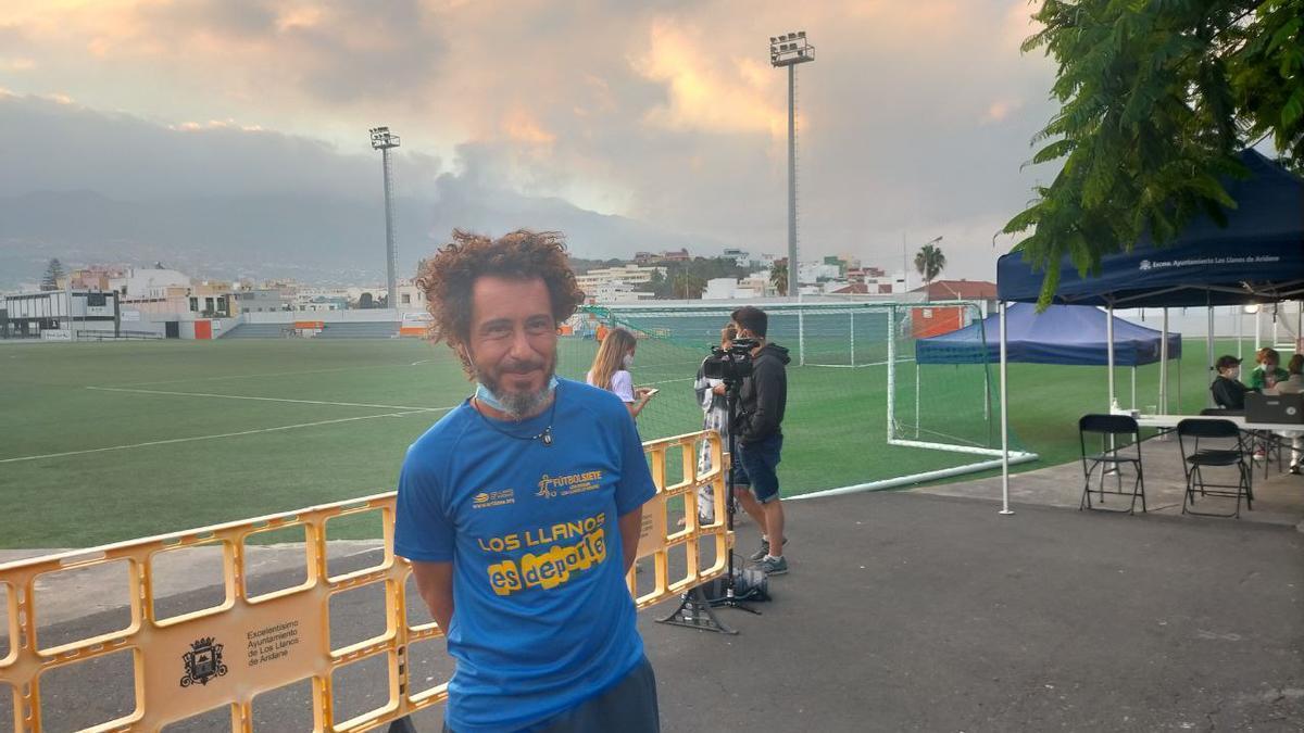 Pedro, al que conocen por Míchel, en el centro de evacuados en Los Llanos en La Palma / RR.