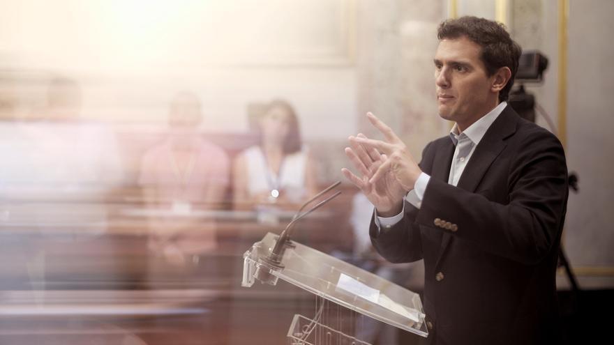 """Rivera muestra su apoyo a Carrizosa y considera gravísimo lo ocurrido en el Parlament: """"Exigen echar a la Guardia Civil"""""""