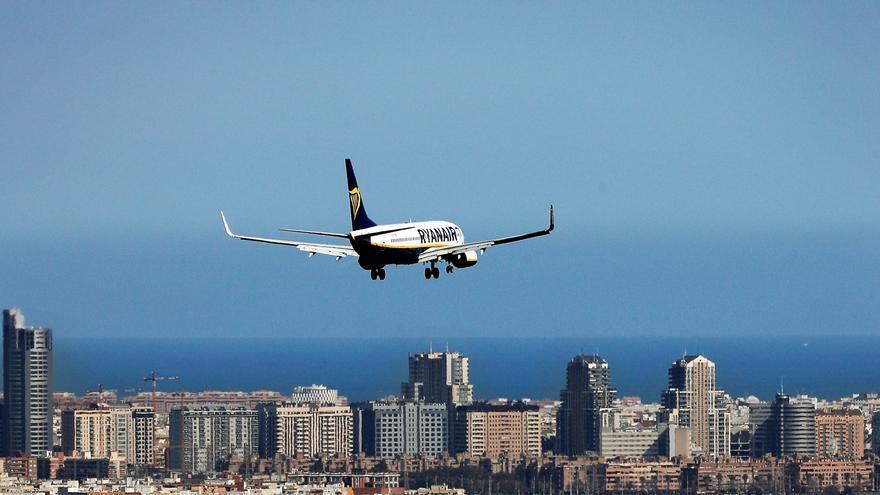 Ryanair mejora la previsión de pérdidas para 2021, pero rebaja la cifra de pasajeros