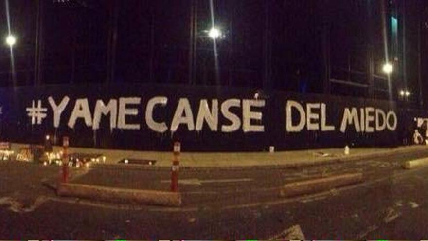 """Pintada """"#YaMeCansé del miedo"""" en frente de la Procuraduría General del Estado en la Ciudad de México"""