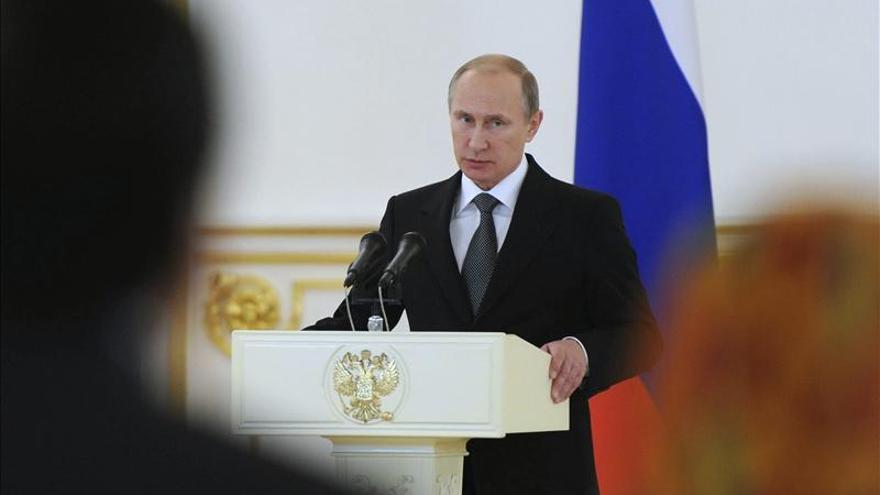 Putin asegura que la revolución en Ucrania es una advertencia para Rusia