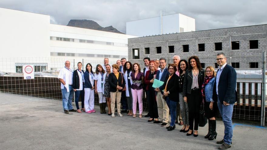 Visita de la consejera de Sanidad, Cruz Oval, al Hospital del Sur de Tenerife