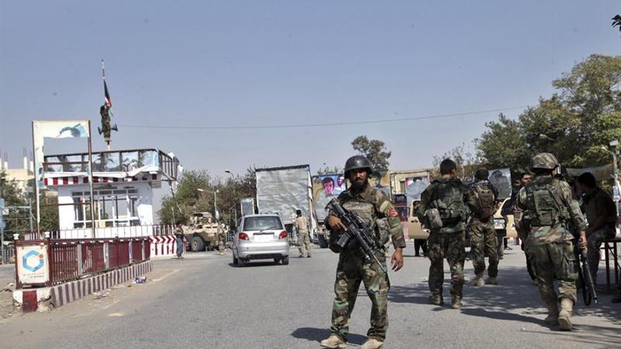 Al menos siete muertos en accidente de avión de carga en Afganistán