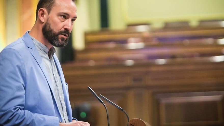 """En Comú denuncia """"trato de favor"""" del Gobierno de Rajoy al colectivo de registradores por una normativa"""