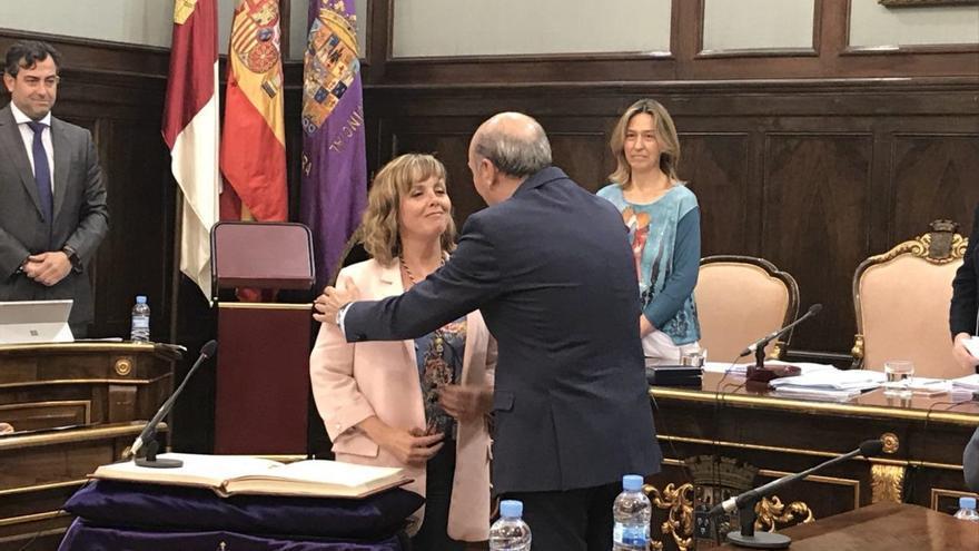 Álvarez toma posesión como diputada en Diputación y minutos después Ahora Guadalajara la expulsa de la agrupación