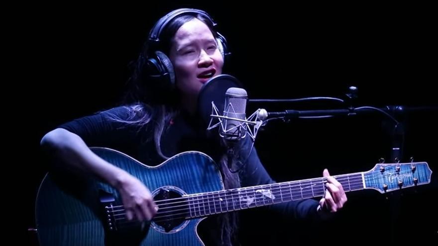 Mai Khoi, es una de las cantantes más conocidas de Vietnam / Youtube