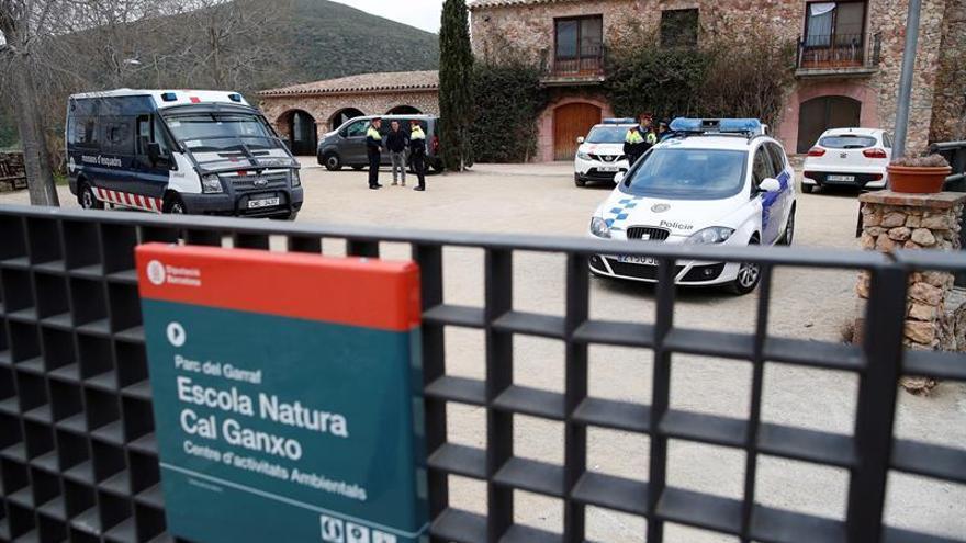 Unos 25 encapuchados asaltan un centro de menores en Castelldefels