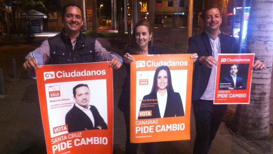 Pegada simbólica de carteles de la campaña electoral