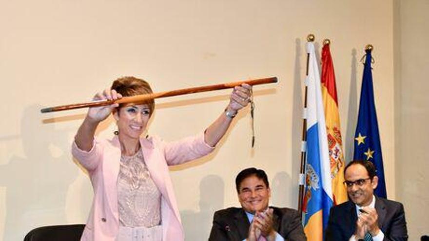 La alcaldesa de Mogán, Onalia Bueno, en su toma de posesión