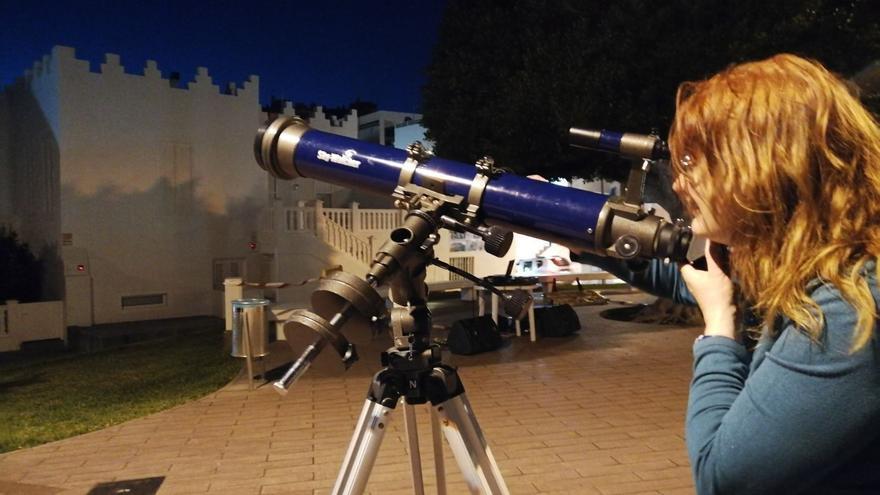 Un momento de la observación astronómica.