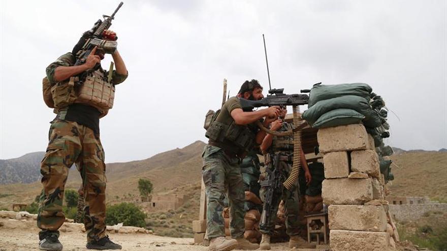 Soldados afganos en el distrito afgano de Achin en una operación contra ISIS.
